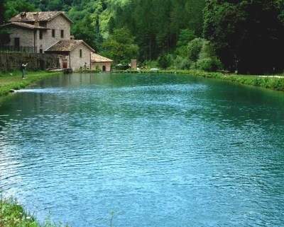 lago lockness sellano (400 x 321)